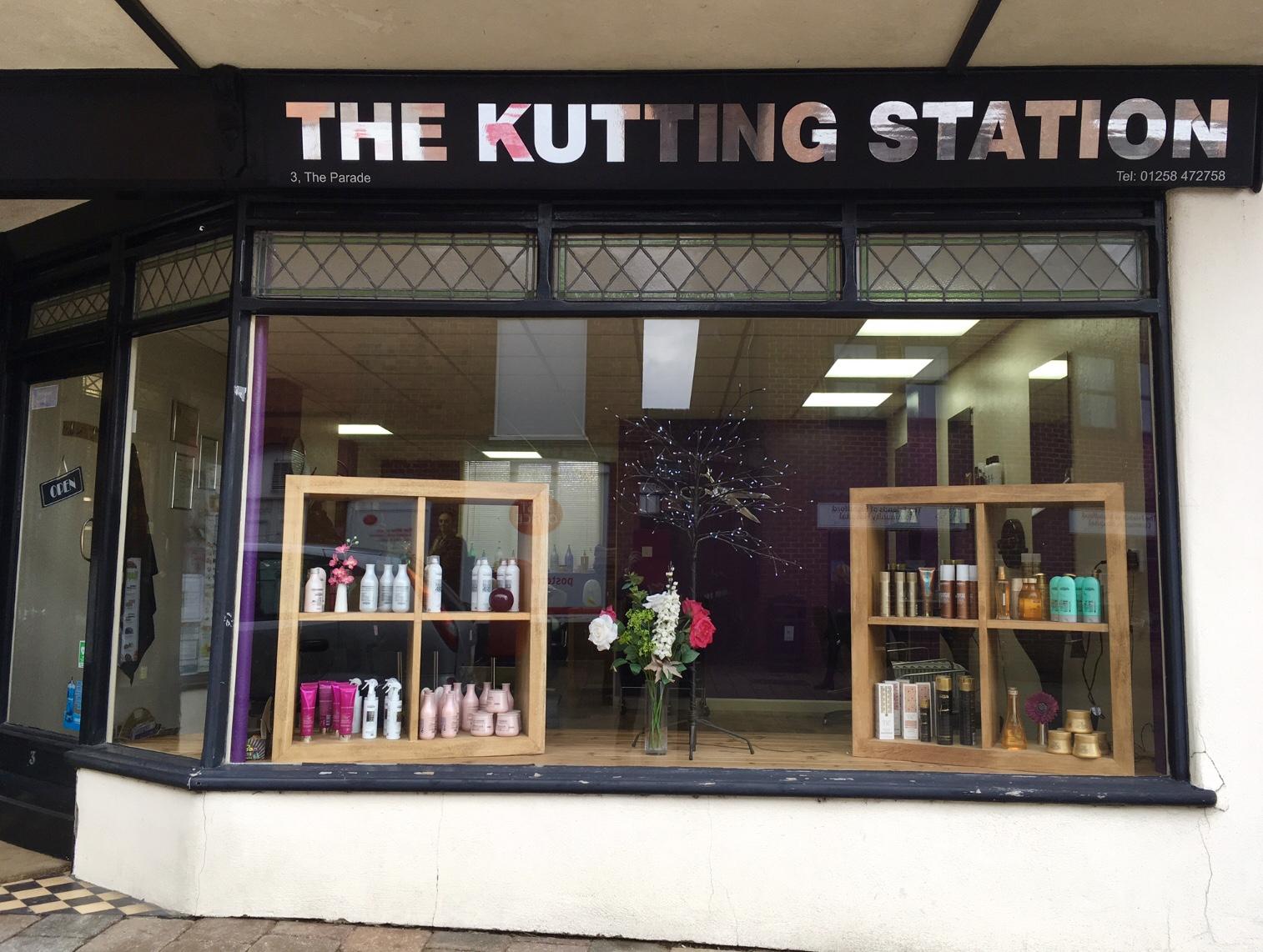 Sturminster Newton-The Kutting Station 3